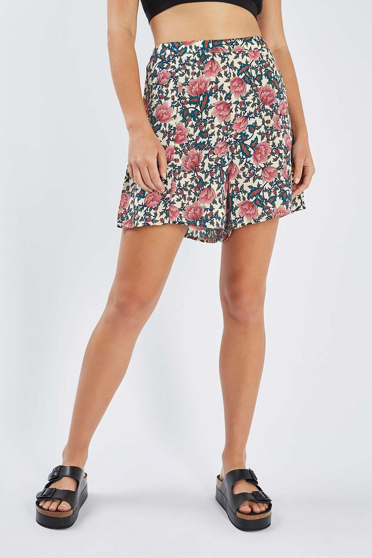 **Floral A-Line Shorts by Glamorous