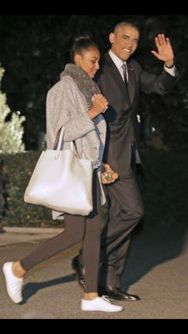 Look how tall and Beautiful Sasha Obama is now!! I'm sure she's still Daddy's Little Girl!! :-)