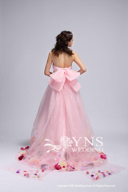 もうすぐママになる優しい雰囲気が出そう…♪柔らかラインドレス♡ マタニティ用のピンクカラードレス。ウェディングドレス・花嫁衣装まとめ。