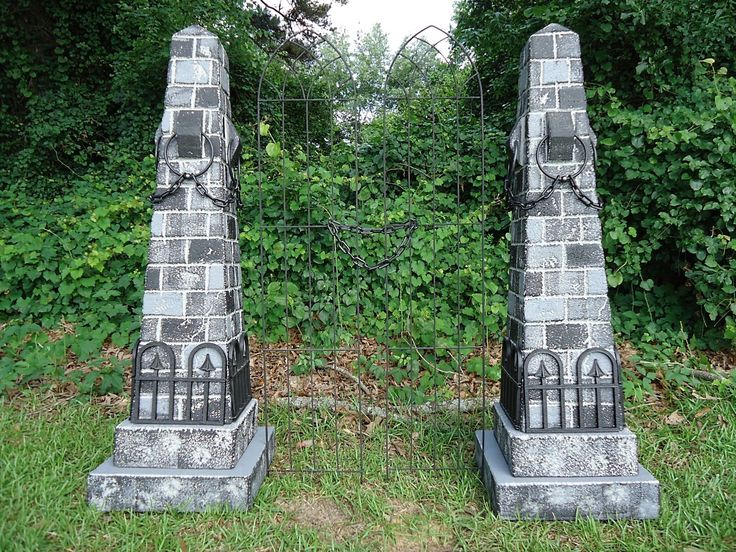 "Evil Soul Studios Medieval Dungeon Obelisk Tombstone Gateway Halloween Prop ALMOST 5 FT TALL ""HUGE ATTENTION GRABBER"""
