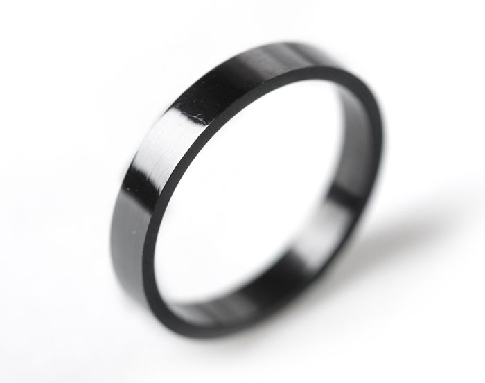 Free Shipping Wide 4mm Single Men Rings Influx Of People Glossy Black Men Pinky Ring Men Fine Jewelry Wedding Rings For Woman