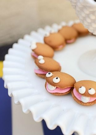 Why not make these easy and simple clam cookies at your next under-the-sea-themed birthday party?   kid's birthday party
