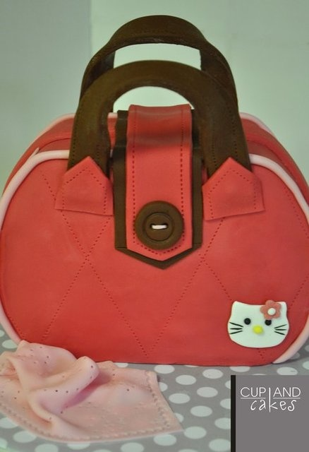 Hello Kitty Handbag  Cake by Cup & Cakes