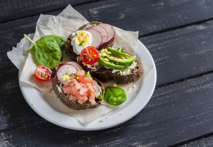 Tartine cu avocado – slabeste cu 9 retete de mic-dejun sanatos, gustos si satios