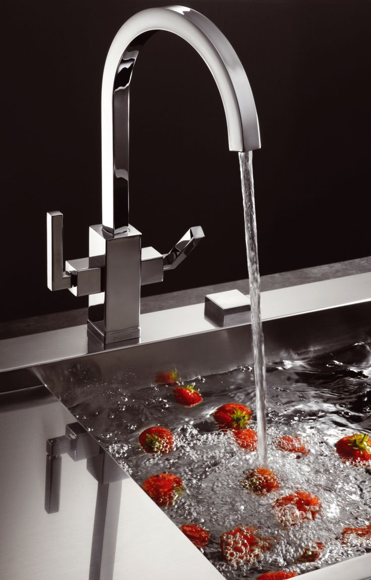 This Franke tap has been designed to stand out, as it combines curves and straight edges into a outstanding design