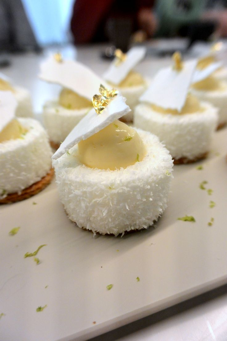 """""""Un Zest' de citron"""" réalisés par Yann Menguy lors du cours Autour de la tarte citron à la Michalak Masterclass"""