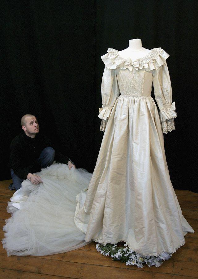 25 Best Ideas About Princess Diana Wedding Dress On Pinterest