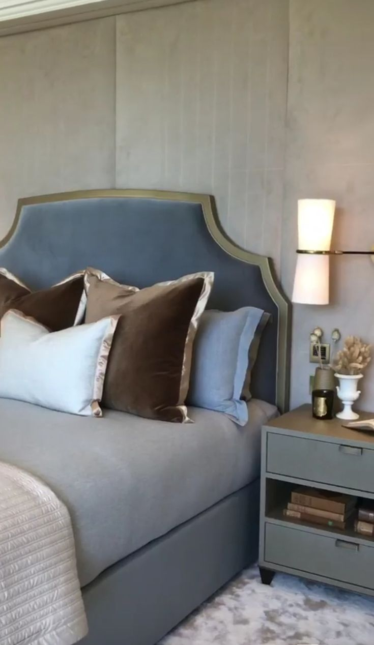 Headboard Stunning There S A Meeting In My Bedroom In
