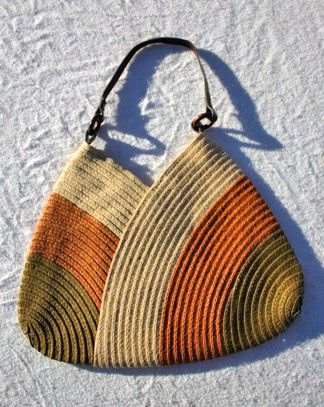 woven tote, could work for crochet as well..........