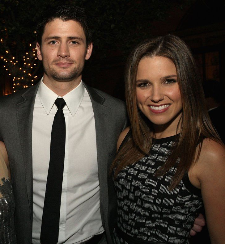 Pin for Later: 18 Actors Who Couldn't Seem to Stop Dating Their Costars Another small-screen couple is Sophia Bush and James Lafferty, who starred together on One Tree Hill and dated for a year.