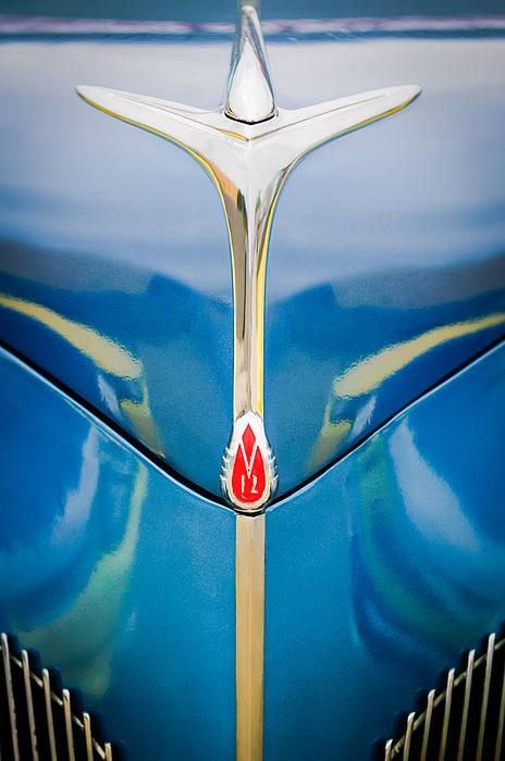 1940 lincoln zephyr grille emblem - hood ornament