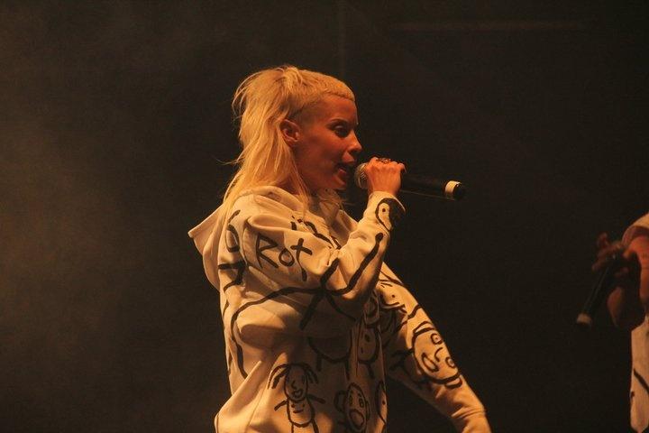 Yo-landi Visser on stage @ Oppikoppi 2011