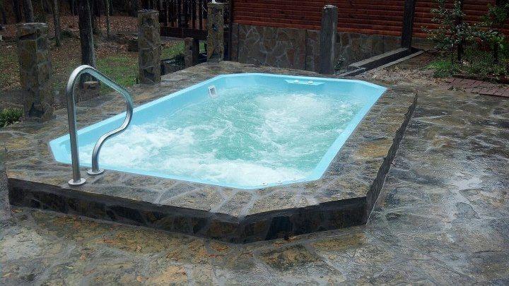 Best 25 fiberglass swimming pools ideas on pinterest - Small above ground swimming pools ...
