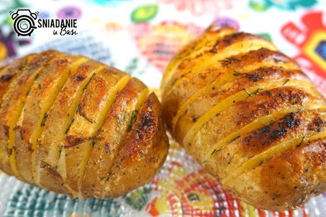 ...Pomysłowe i pyszne śniadania!: Rumiane grzebienie z młodych ziemniaków bez długiego pieczenia