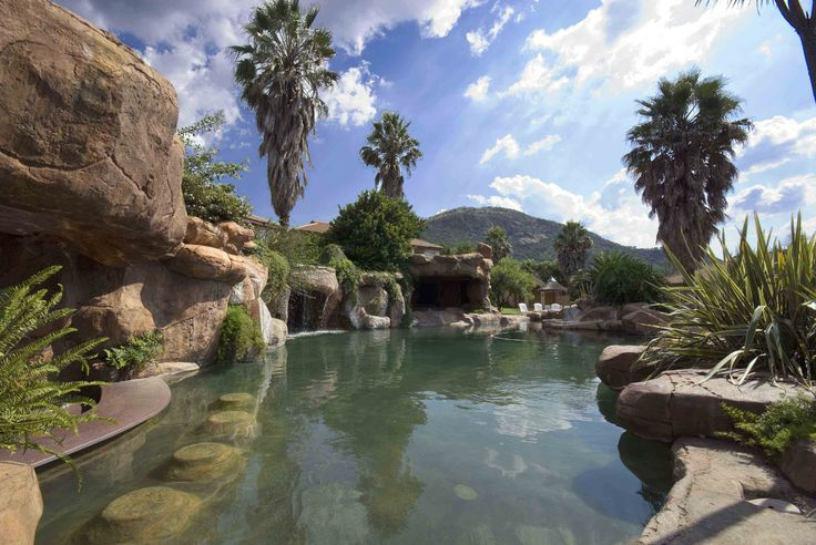 Of all the Guvon properties, Glenburn Lodge lends itself most to family fun, group excursions and outdoor activities due to the two rivers on the property, a beautiful mountain and stretches of grass lands all within a private game reserve.  #atGuvon