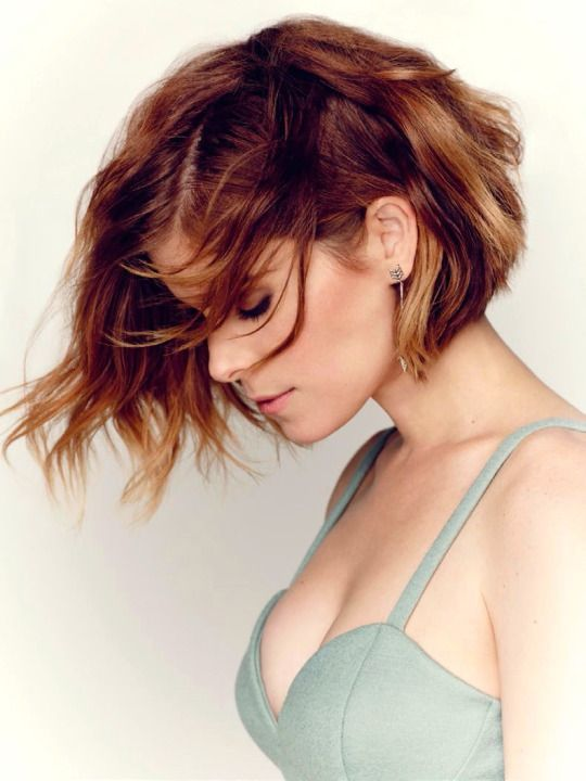 Love this color! Kate Mara