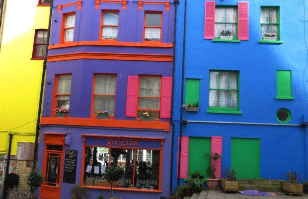 Noel's Yard | Colourful Folkestone | RachelBirchley.com