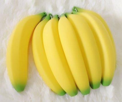 Te provoca una #banana ? pues en @gscmoda tenemos unas originales #cartucheras de esa #fruta #tropical #moda #cambur #estilo #moda #original #estilo #fahsion #in #caracas #ventas #mayor #colegial #colegio #universidad #portacosmeticos www.gscmoda.com