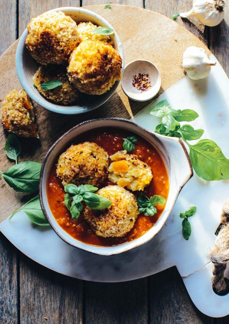 Delicious Arancini Balls with the best Marinara Sauce (vegan)