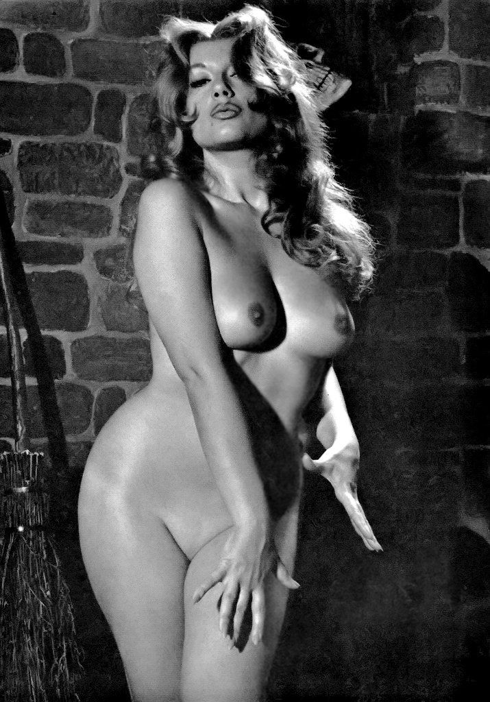 chubby pin up naked