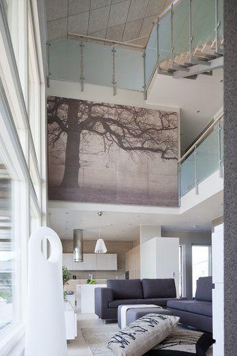 Villa Elpidan korkean tilan akustointi on huomioitu suunnittelussa ja sisustuksessa, lisää ideoita www.lammi-kivitalot.fi