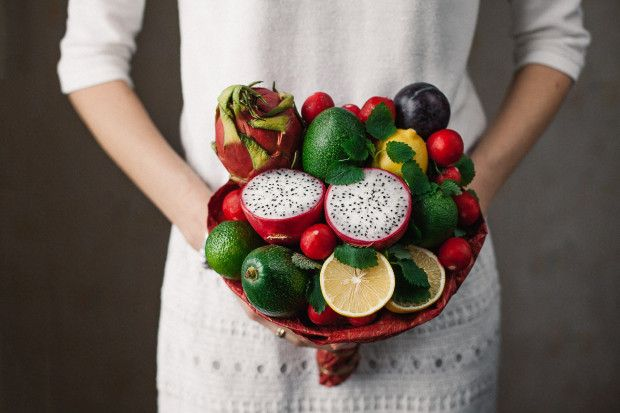 Flower bouquets are beautiful – and cake bouquets are beautifully delicious. But have you ever seen a bouquet made from fruit and vegetables?