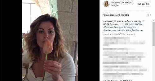 Puglia: #Vanessa #Incontrada in #pigiama saluta i fan da Maglie (link: http://ift.tt/2mYY1jP )