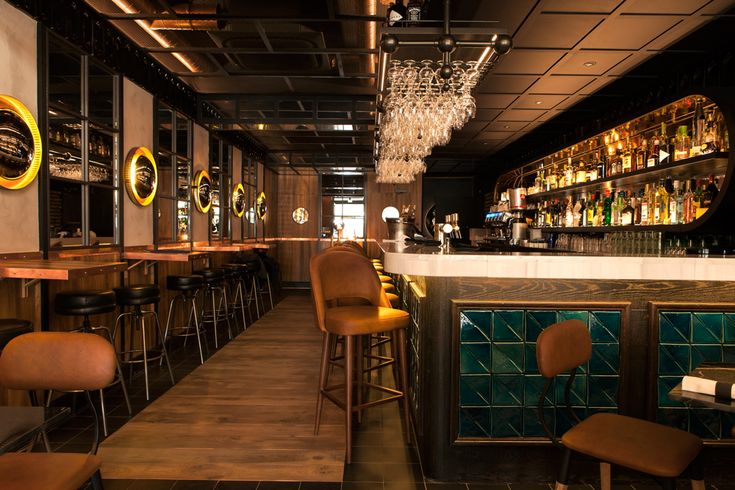 Tejo tiles at Bar du Port | Theia creative tiles – www.theiatiles.com | 100% Portuguese handmade ceramic tiles for surfaces and interior decoration design projects | Jade green | Ceramics