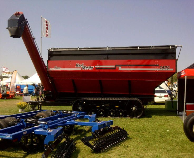 Elmer's 1600 Haul Master at Harco Exhibit at COFS