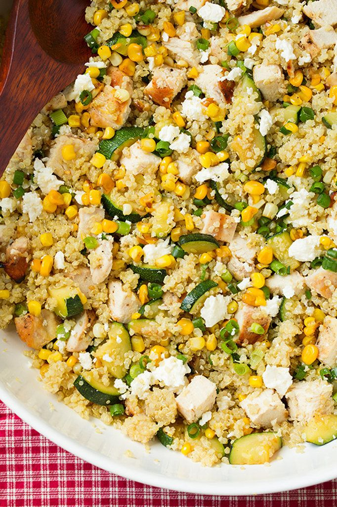 Zucchini and Corn Quinoa with Grilled Chicken and Lemon — an ideal backyard bbq side, via @cookingclassy
