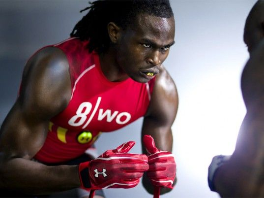 zephyr under armour e39 shirt--features sensors that monitor athlete's heart rate, metabolism, body position, etc.Julio Jones, Armours Deliver, Armours Biometrics, Armours Athletic, Heart Rate, Athletic Heart, Under Armours, Monitor Athletic, Armours E39