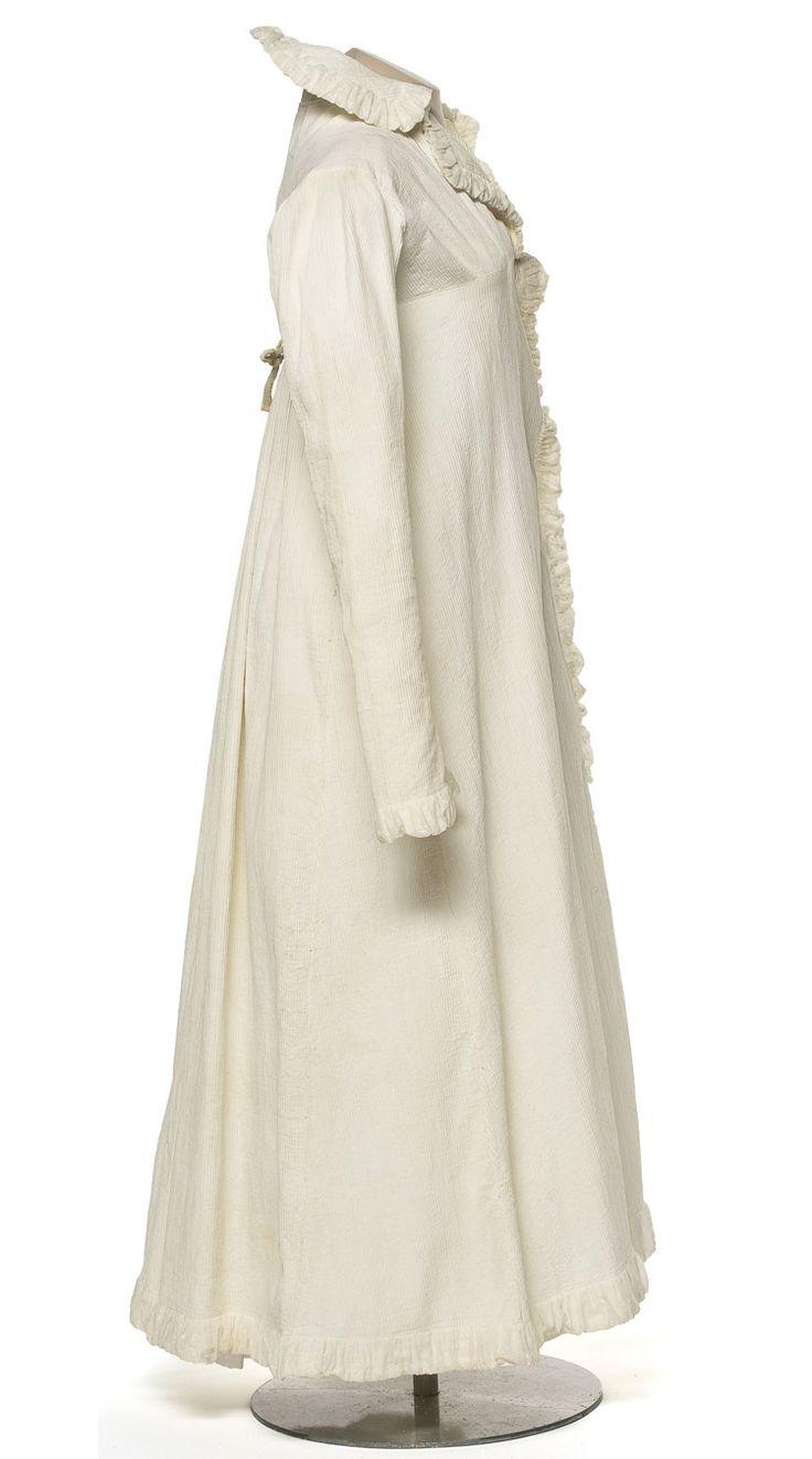 Robe du matin, France, vers 1805-1810  Coton filé, mousseline  Achat, 1988  Inv. 988.1023