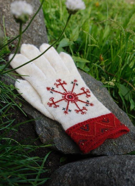 Kristi Jõeste gloves