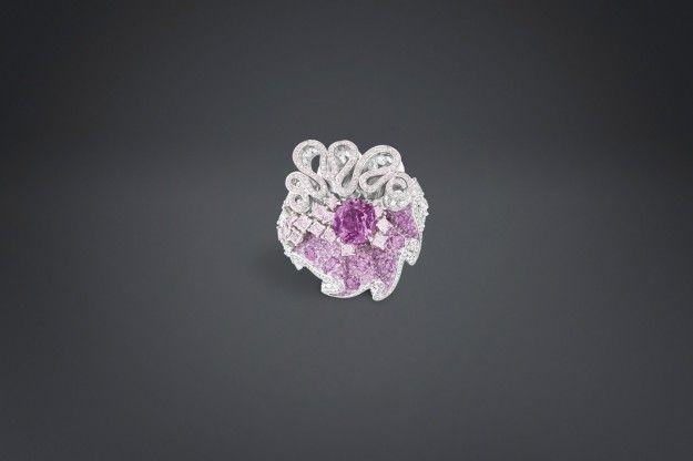Anello con diamanti e zaffiro rosa Archi Dior