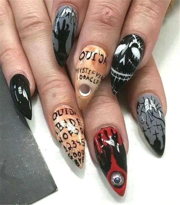 Pin By Kyme Chimera On Nail Ideas In 2020 Skull Nails Cute Halloween Nails Halloween Nail Art