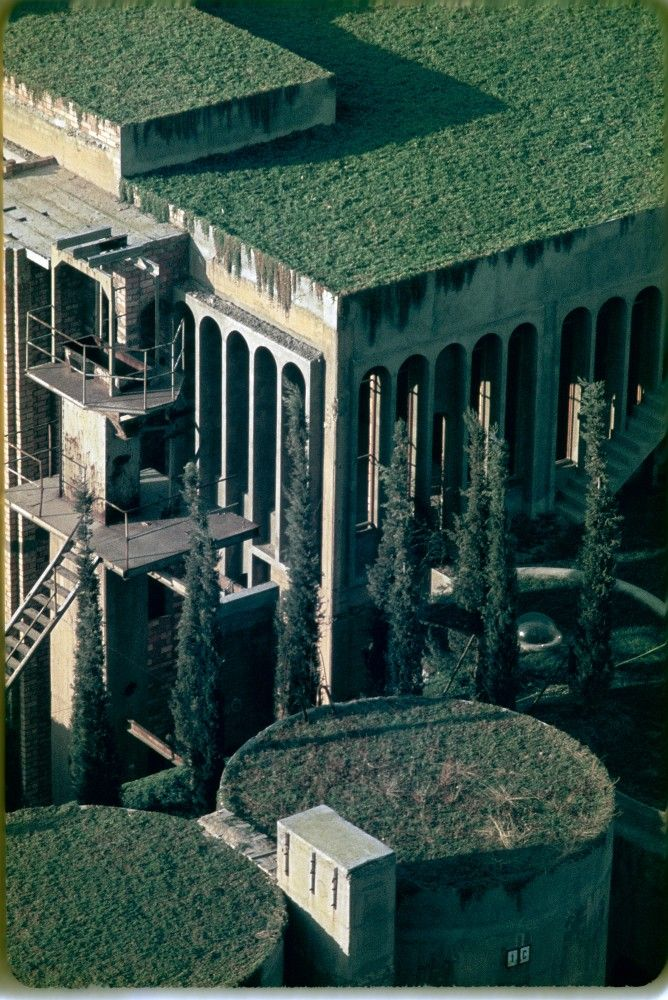 The Factory / Ricardo Bofill. In 1973 Ricardo Bofill found a disused cement factory, an industrial complex from the turn of the century consisting of over 30 silos, subterranean galleries and huge machine rooms, and he decided to transform it into the head office of Taller de Arquitectura.