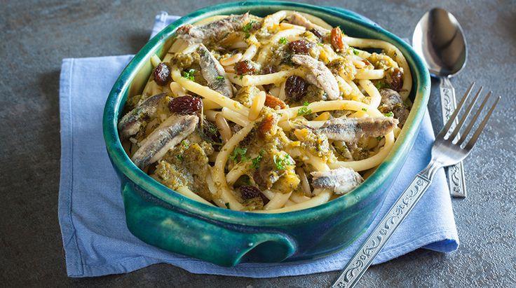 La ricetta della Pasta con le Sarde è un grande classico della cucina siciliana, ecco quali sono gli ingredienti e le indicazioni da seguire per realizzare.