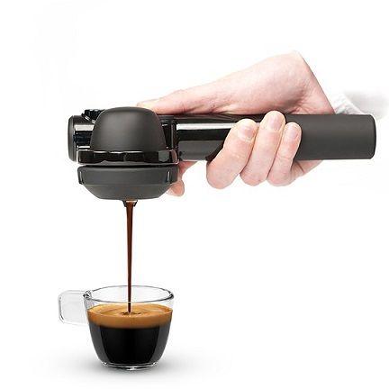 Cafetera espresso manual Handpresso #regalos #regalosoriginales  https://www.regalosychollos.com/regalos-originales/cafetera-espresso-manual-handpresso/
