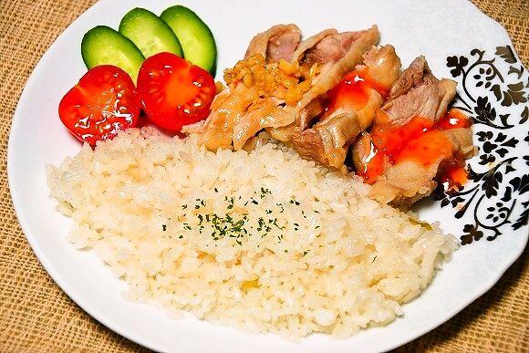 【ウマすぎ注意】炊飯器だけで作るシンガポール風チキンライス『海南鶏飯』がメチャ美味しい!超簡単お手軽レシピ