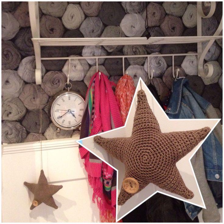 gehaakte ster en mijn nieuwe wolletjes behang