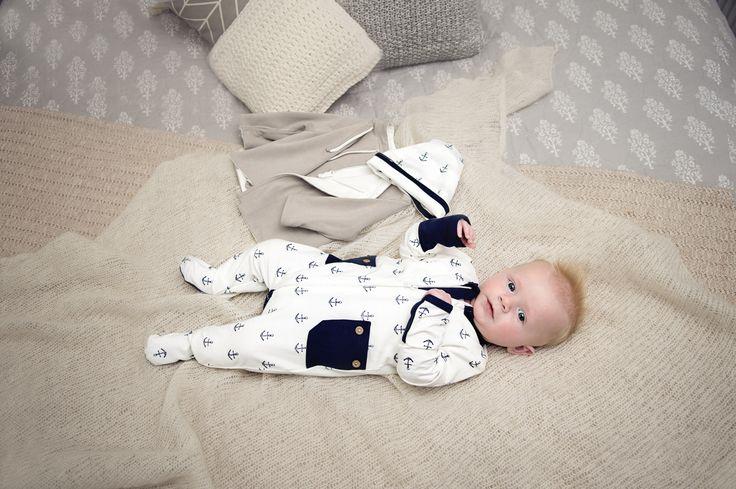Li'l Zippers: Baby Gift Idea 2way Zip Romper With Fold Over Mittens & Feet Navy Blue Anchor Print 95% Cotton 5% Elastane