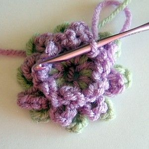 Free Crochet Pattern For Mum Flower : 240 best images about Free Crochet Flower Pattterns. on ...