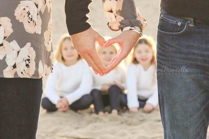 Blended family engagement photos session sneak peek. #familyphotography