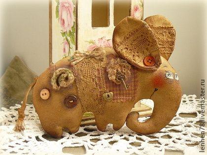 Летающий слон - коричневый,слон,слоник,слоники,слоны,слоненок,ароматизированная игрушка