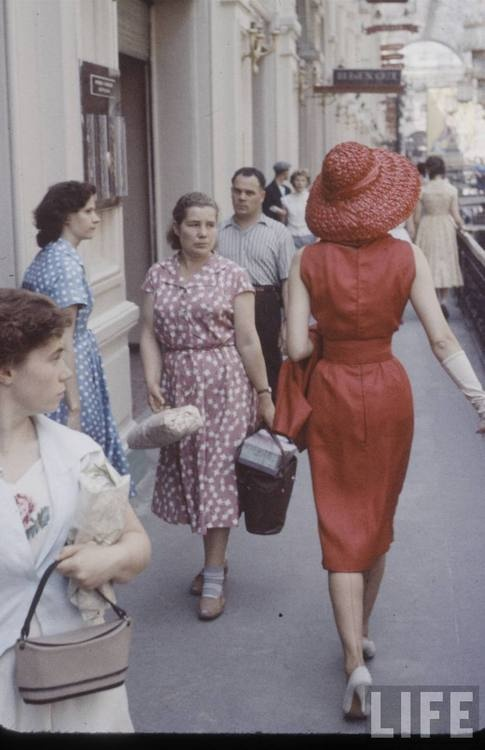 1950's Dior in Moscow by Howard Sochurek: Hats, The Women, Vintage Dior, Red, Style, 1950S, Christian Dior, Life Magazines, Fashion Shoots