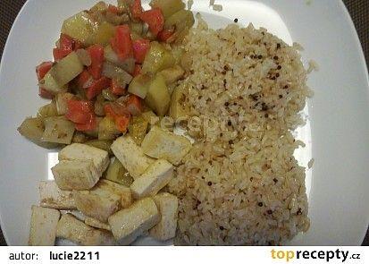 Zelenina s tofu a rýží recept - TopRecepty.cz