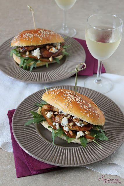 Sünis kanál: Mézes csirkés szendvics körtével és gorgonzolával