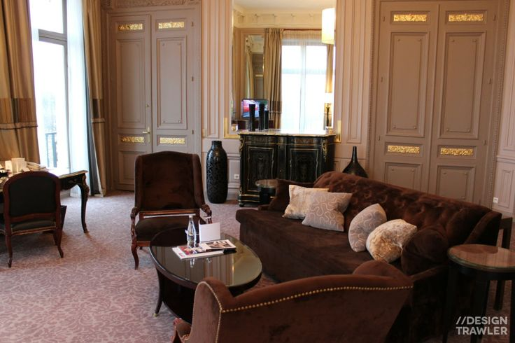 Westin Paris, Place Vendôme: The formal seating layout is rotated through 45 degrees