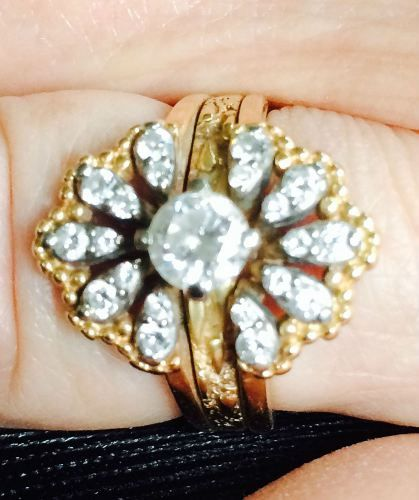 $500 Bounty 14kt Yellow Gold Guard Ring w/ 3/4Ct center Diamond Case # 010426 Date of Theft: 06/08/2015 Type of Jewelry: Ring Street: Duke City: Portland State: Oregon Country: United States Zip/Postal Code: 97206 Police Report Filed?: Yes Name of Police Agency: Portland Police Dept. Case Number: 15-191365 Listed: June 21, 2015 8:46 am Expires: 361 days, 2 hours Guard Ring Description Guard or insert ring with removable center solitaire. Vintage from the early 80's. 20 3-5 ct diamonds in an…