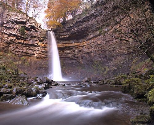 http://www.photographers-resource.co.uk/images/Locations/nature/waterfalls/hadraw/Hardraw_Force.jpg
